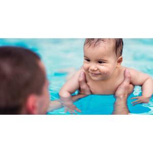 4-týždňový kurz plávania pre bábätká a vstup do sauny pre aklimatizovanie bábätka