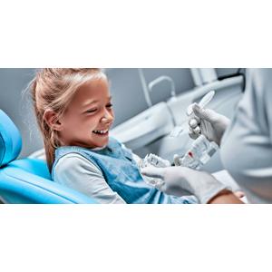 Black & White Dental Clinic: Dentálna hygiena pre deti s inštruktážou pomôcok + detská kefka a diplom zadarmo