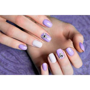 Gélové nechty, japonská manikúra alebo spevnenie prírodného nechta gélom