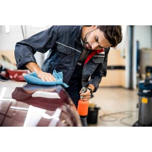 Kompletné ručné umytie vozidla s tepovaním alebo dezinfekcia ozónom