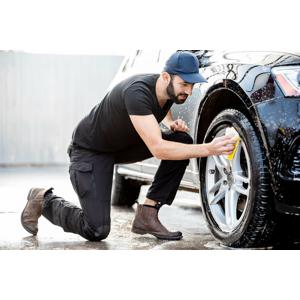Kompletné umytie auta aj s tepovaním interiéru TORNADOROM a impregnáciou tesnení