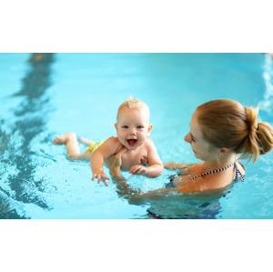Kurz plávania pre bábätká v ŠNOPe (10 lekcií pre deti od 3 mesiacovdo 3 rokov)