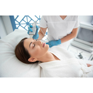 Liftingový alebo ultrazvukový balíček ošetrení 3v1 s kyselinou hyalurónovou