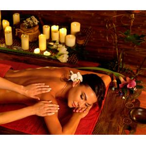 """Luxusný 100-minútový exotický balíček """"Karibský poklad"""" alebo párová masáž v Ayurasan"""