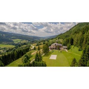 Neobmedzené kúpanie v Alpách v útulnom hoteli Alpenhof s raňajkami, pobyty platné aj počas jarných prázdnin