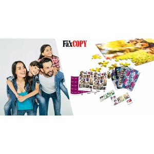 Rodinná zábava pri hraní kariet, pexesa, domina alebo skladanie puzzle s vlastnými fotografiami