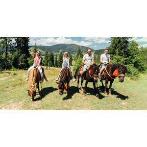 Rodinný pobyt na ranči s plnou penziou a jazdou na koňoch