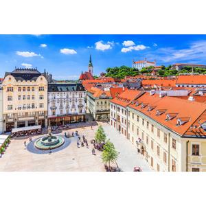 Romantika s panoramatickým výhľadom na Bratislavu a súkromným vstupom do wellness v hoteli Modena***