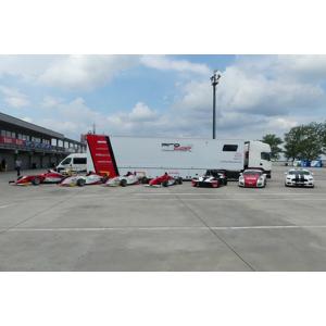 Šoférovanie ťahača Scania na letisku v Trenčíne, stačí vám vodičák na osobné autá