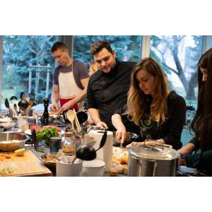 Súkromný kurz varenia pre malú partiu priateľov zážitkovou formou