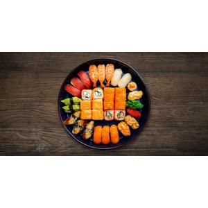 Sushi set pre 2 osoby so sebou (take away) a možnosťou vyskladania si setu podľa vlastnej chuti