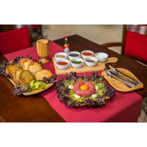 Tatarák a 10 hrianok pre 2 osoby v Reštaurácii Rotoska s možnosťou take away alebo donáškou