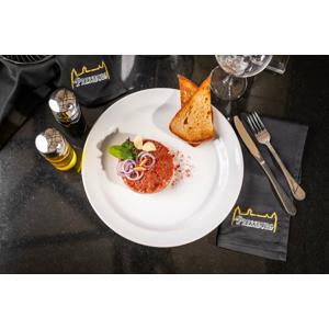Tatarský biftek s topinkami v Hamsik Prosecco Bar & Restaurant