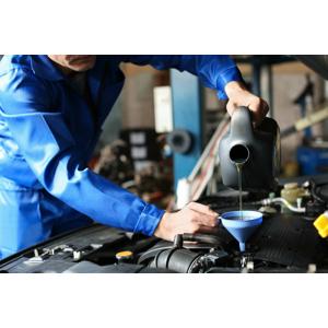 Výmena oleja a olejového, vzduchového, kabínového a peľového filtra s materiálom a servisná prehliadka
